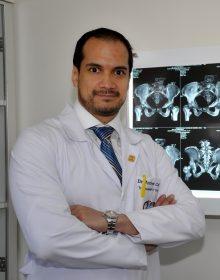 Dr. Andrés Cobar